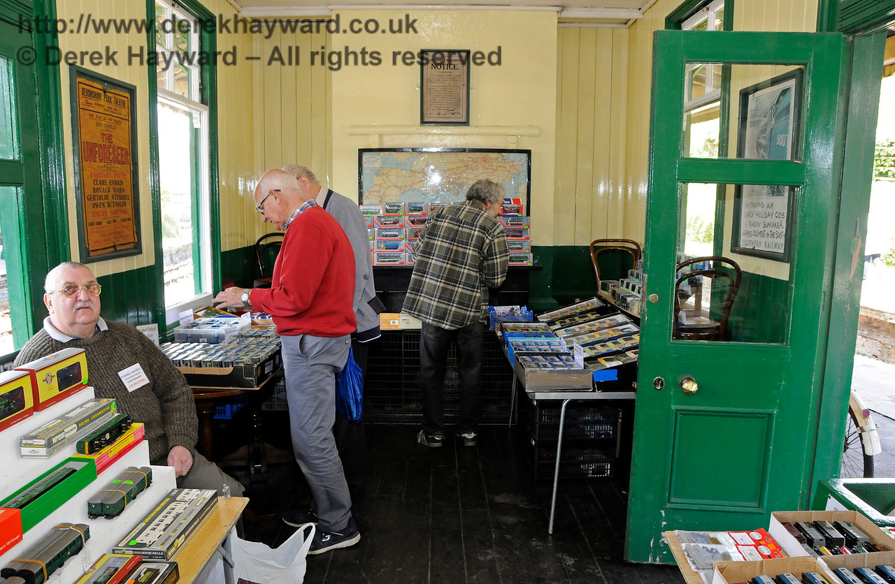 Bluebell Railway Toy and Rail Collectors Fair, Horsted Keynes Station, 30.04.2016  14981