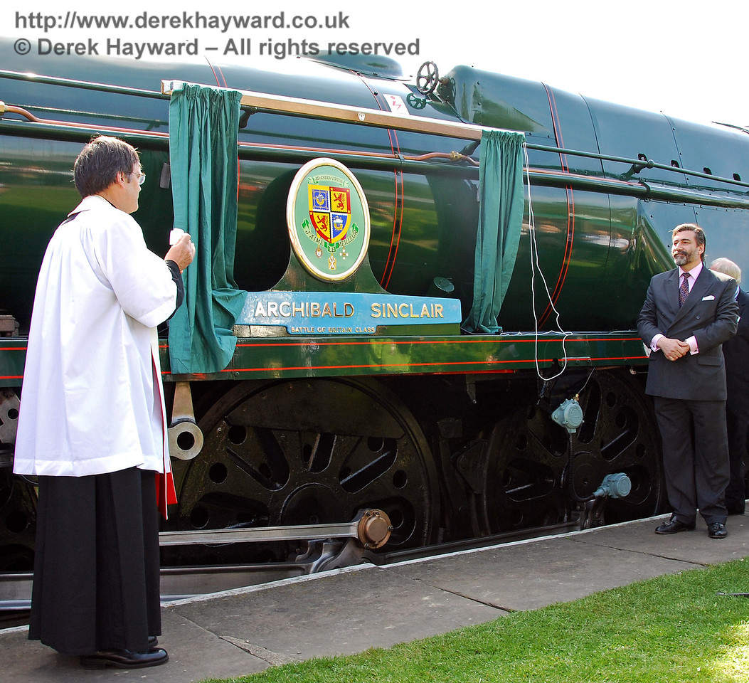 Viscount Thurso stands aside to admire the newly revealed name plate and crest on 34059 Sir Archibald Sinclair. 24.04.2009  0052