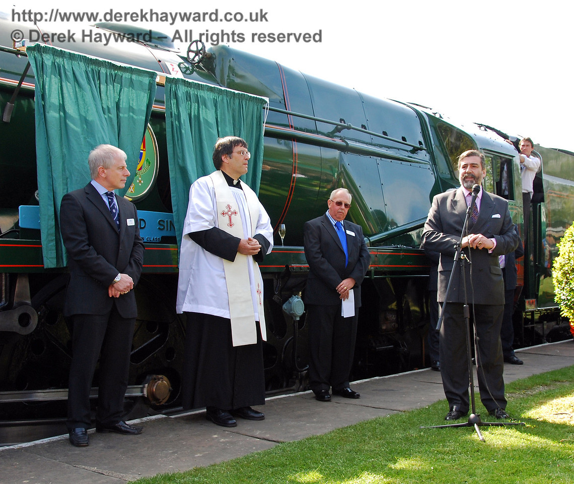 Viscount Thurso addresses the crowd at Horsted Keynes, watched by Roy Watts, Father John Twisleton, and Roger Cruse. 24.04.2009  0048
