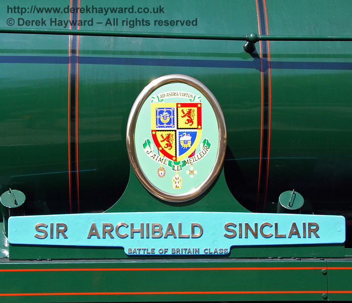 The name plate and crest on 34059 Sir Archibald Sinclair. 24.04.2009  0141