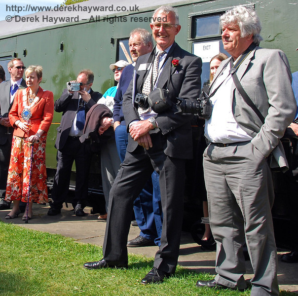 John Fry, Chairman, Bulleid Society (second right) watches the ceremony. Horsted Keynes 24.04.2009  0076