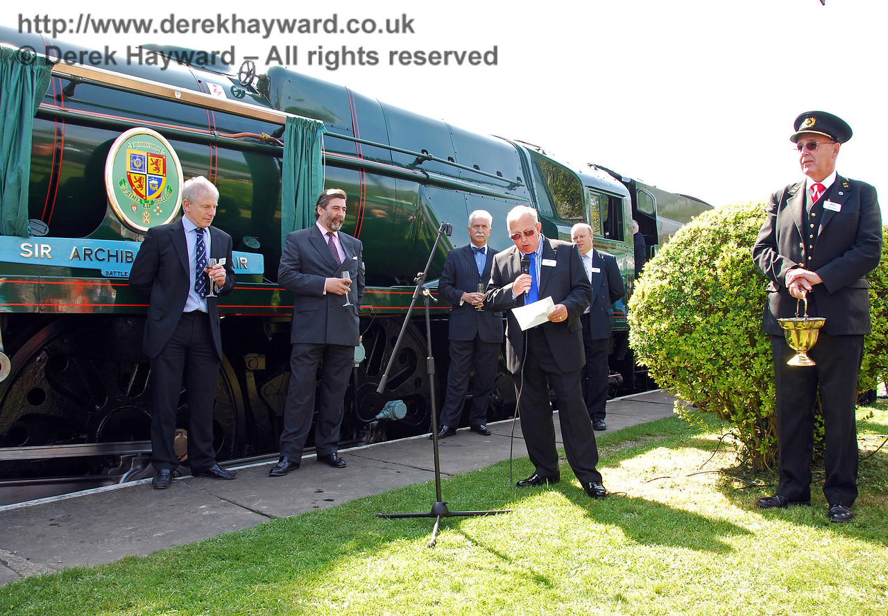 Roger Cruse, Chairman of the Bluebell Railway Battle of Britain Locomotive Group, addresses the crowd. Horsted Keynes 24.04.2009  0070