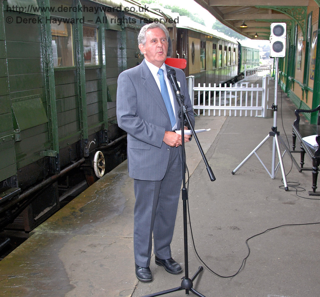 Roger Kelly (Bluebell Railway Funding Director) explains the nature of the 50th Anniversary Appeal. Horsted Keynes 07.08.2009