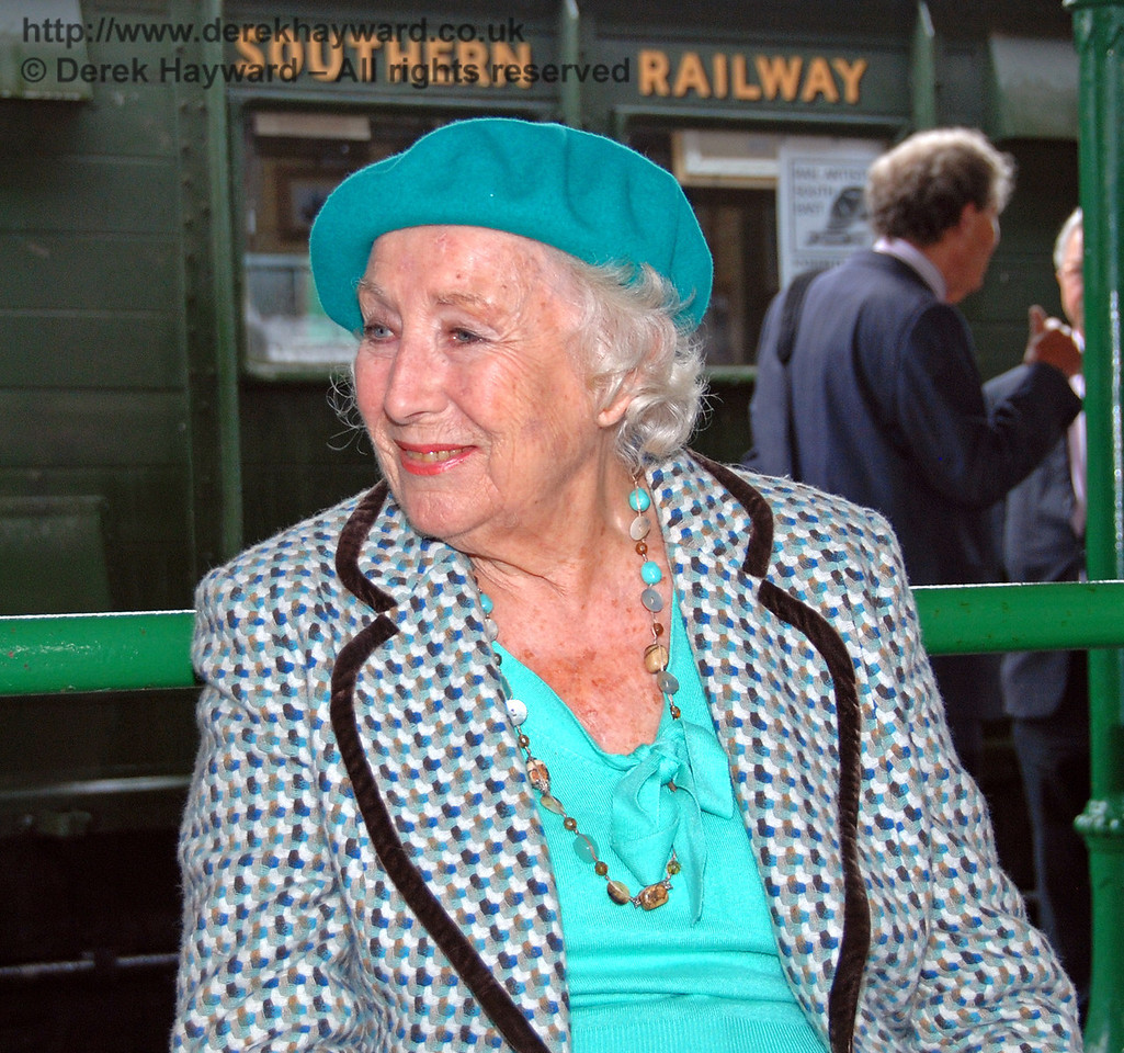 Dame Vera Lynn on the Southern Railway. Horsted Keynes 07.08.2009