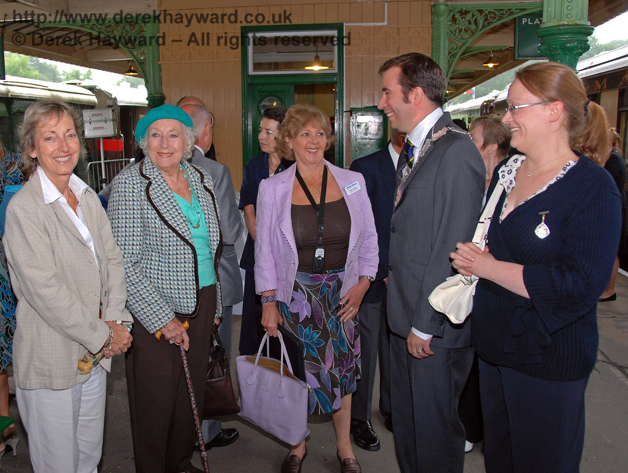 Virginia Lewis Jones, Dame Vera Lynn, Avril Gaynor (Bluebell Railway Press Officer), Councilor Lee Marmara, Mayor of East Grinstead and the Mayoress, Mrs Emma Marmara. 07.08.2009