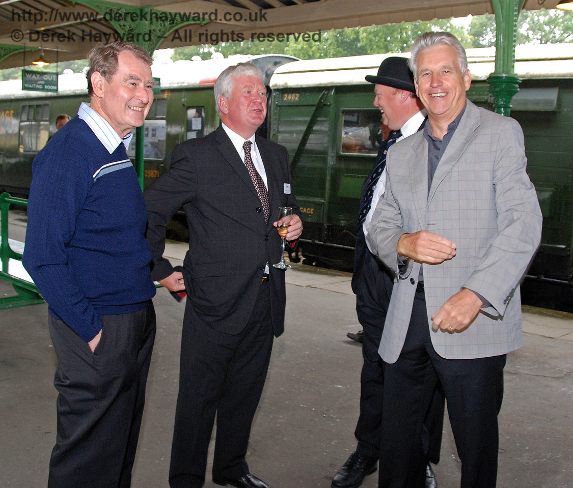Nicholas Owen shares a lighter moment with some members of the Bluebell team. Horsted Keynes 07.08.2009