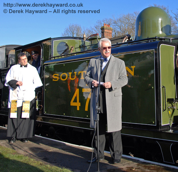 Graham Flight (Chairman and Secretary, Bluebell Railway plc) says a few words. Horsted Keynes 30.01.2010  33
