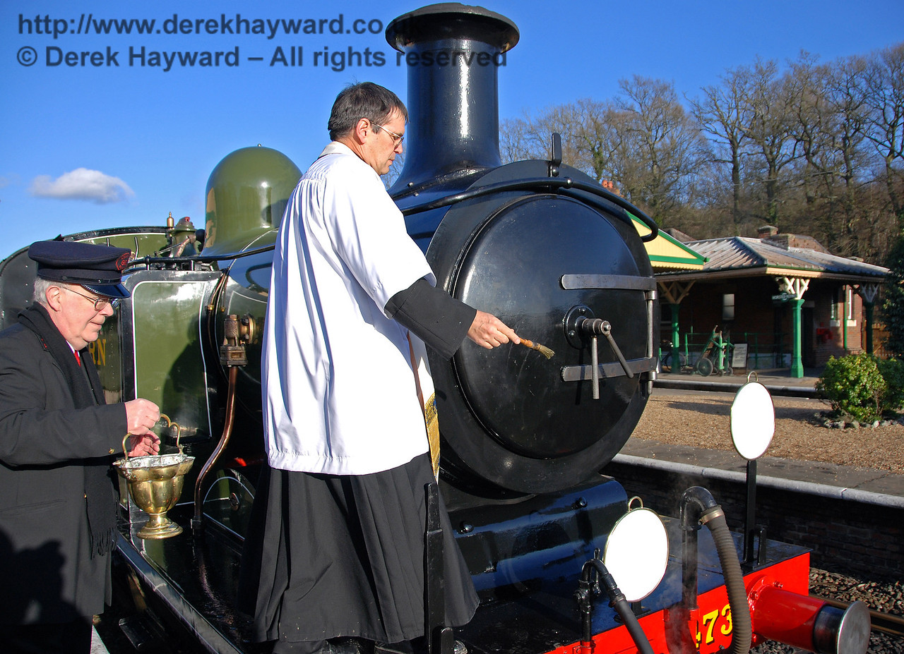 The Rector blesses B473. Horsted Keynes 30.01.2010  68
