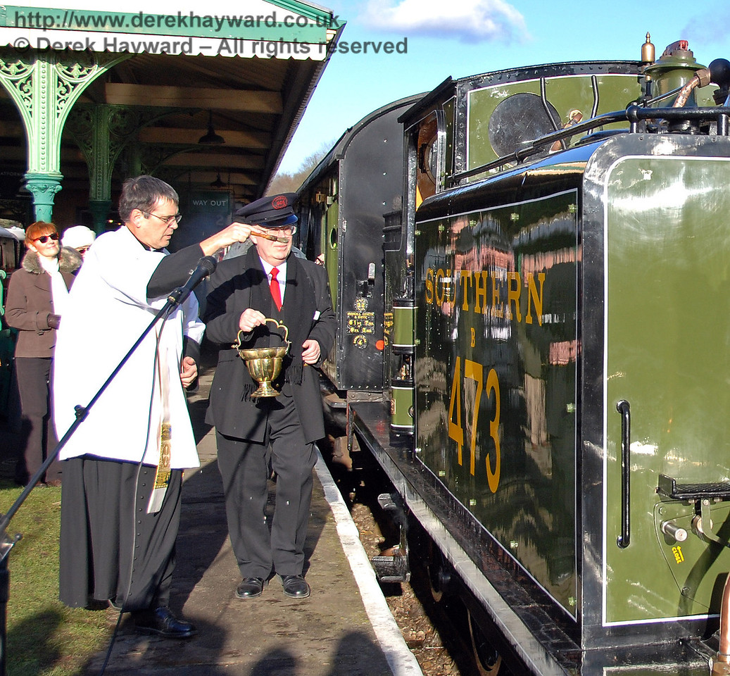 The Rector blesses B473. Horsted Keynes 30.01.2010  61