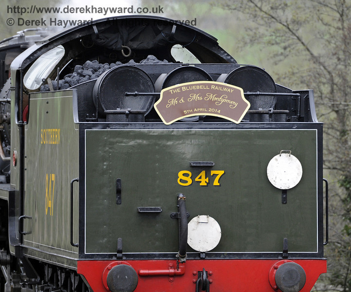 847 returns to Sheffield Park Station after the wedding at Horsted Keynes Station, bearing the marriage headboard.  05.04.2014  8901