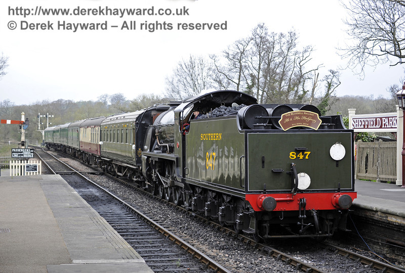 847 returns to Sheffield Park Station after the wedding at Horsted Keynes Station, bearing the marriage headboard.  05.04.2014  8904