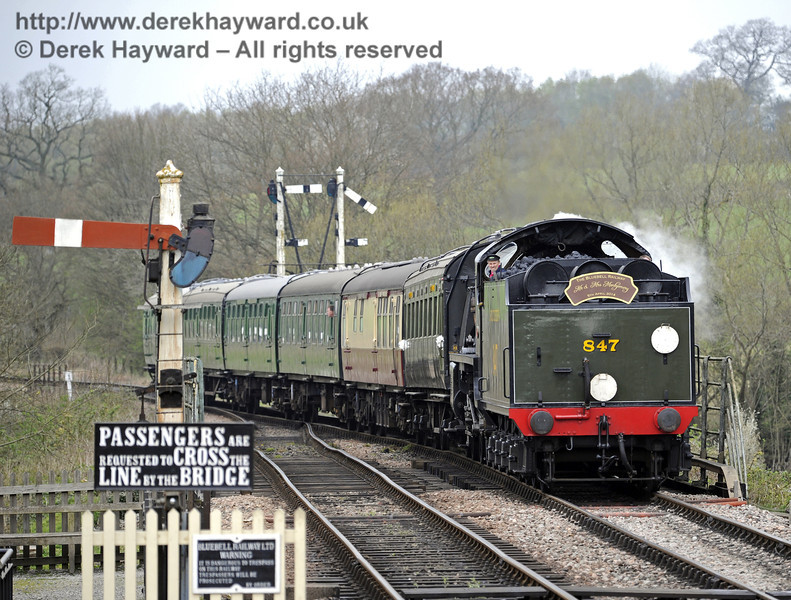847 returns to Sheffield Park Station after the wedding at Horsted Keynes Station, bearing the marriage headboard.  05.04.2014  8900