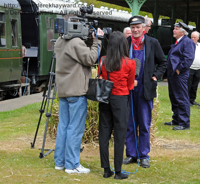 The crew of Stepney are interviewed by TV crews and the press at Horsted Keynes. 17.05.2010   2555