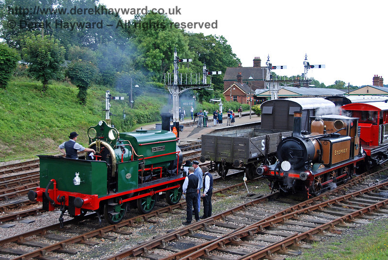 The team discuss Sir Berkeley whilst Stepney stands in the background. 12.08.2007