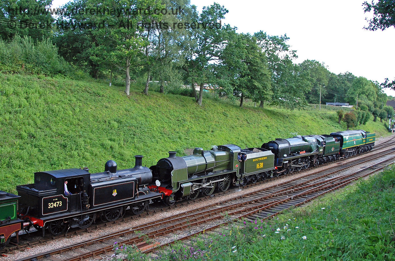 32473, 1638, 34028 Eddystone, and 21C123 Blackmoor Vale bring up the rear in the cavalcade. 12.08.2007