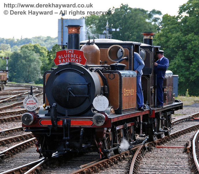 Stepney and Fenchurch return to Horsted Keynes from the Ardingly spur. 12.08.2007