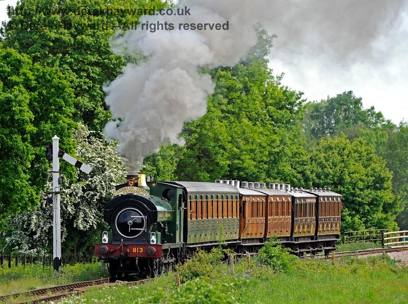 813 passes the Sheffield Park Advance Starter. 18.05.2018 16464