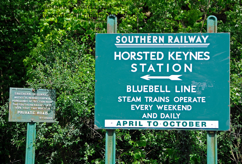 The entrance to Horsted Keynes station.  13.05.2017 17161