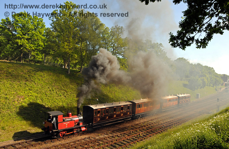 Captain Baxter leaves Horsted Keynes with the four wheelers. 14.05.2017 17238