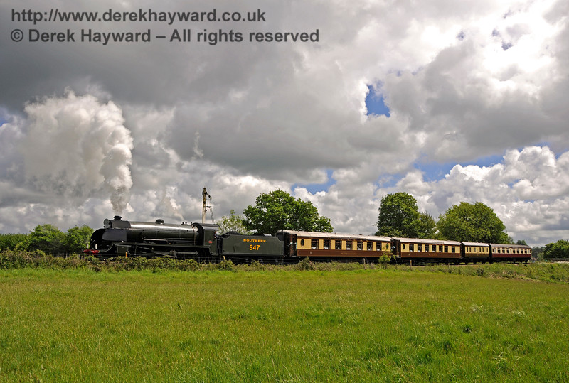 847 leaving Sheffield Park with the Wedding Special. 20.05.2017 17260