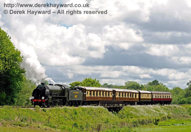 847 leaving Sheffield Park with the Wedding Special. 20.05.2017 15325