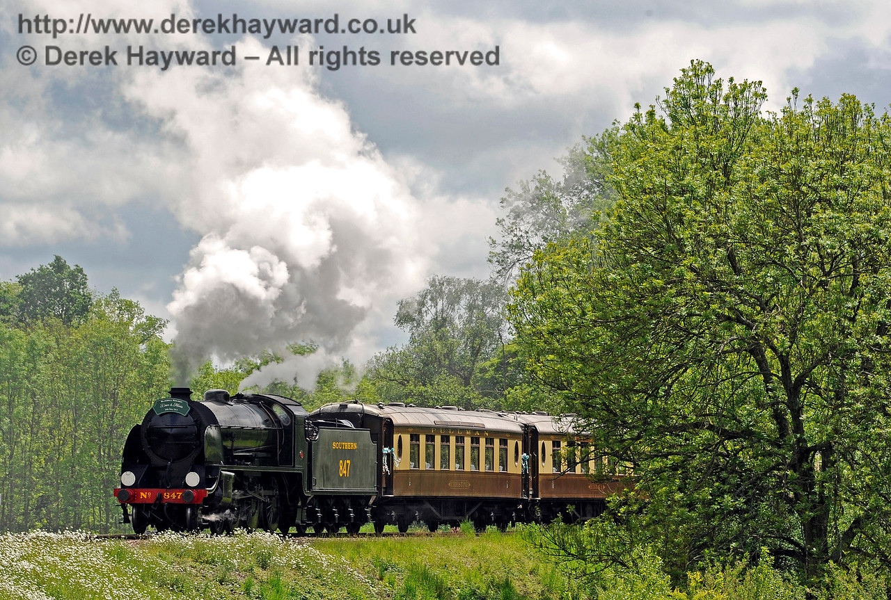 847 leaving Sheffield Park with the Wedding Special. 20.05.2017 15322