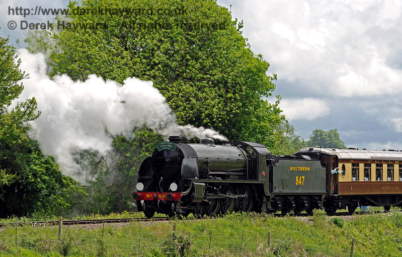 847 leaving Sheffield Park with the Wedding Special. 20.05.2017 15327
