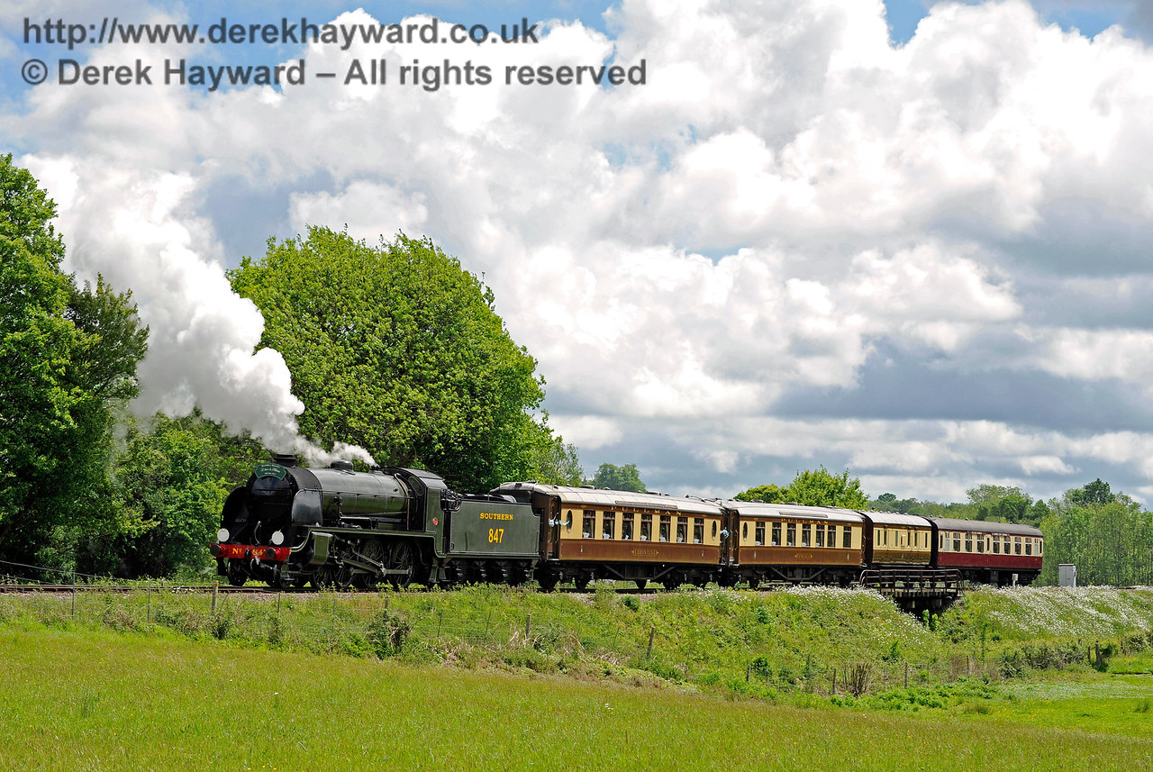 847 leaving Sheffield Park with the Wedding Special. 20.05.2017 15328