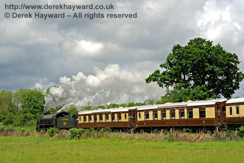 847 leaving Sheffield Park with the Wedding Special. 20.05.2017 15342