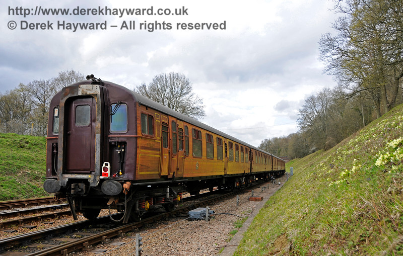 A view of the livery on the 4-TC at Horsted Keynes.  Bluebell Railway Diesel Gala, in association with GBRailfreight. 16.04.2016  14856
