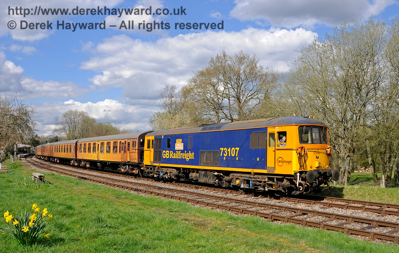 73107 leads the 4-TC south from Kingscote.  Bluebell Railway Diesel Gala, in association with GBRailfreight. 17.04.2016  14896