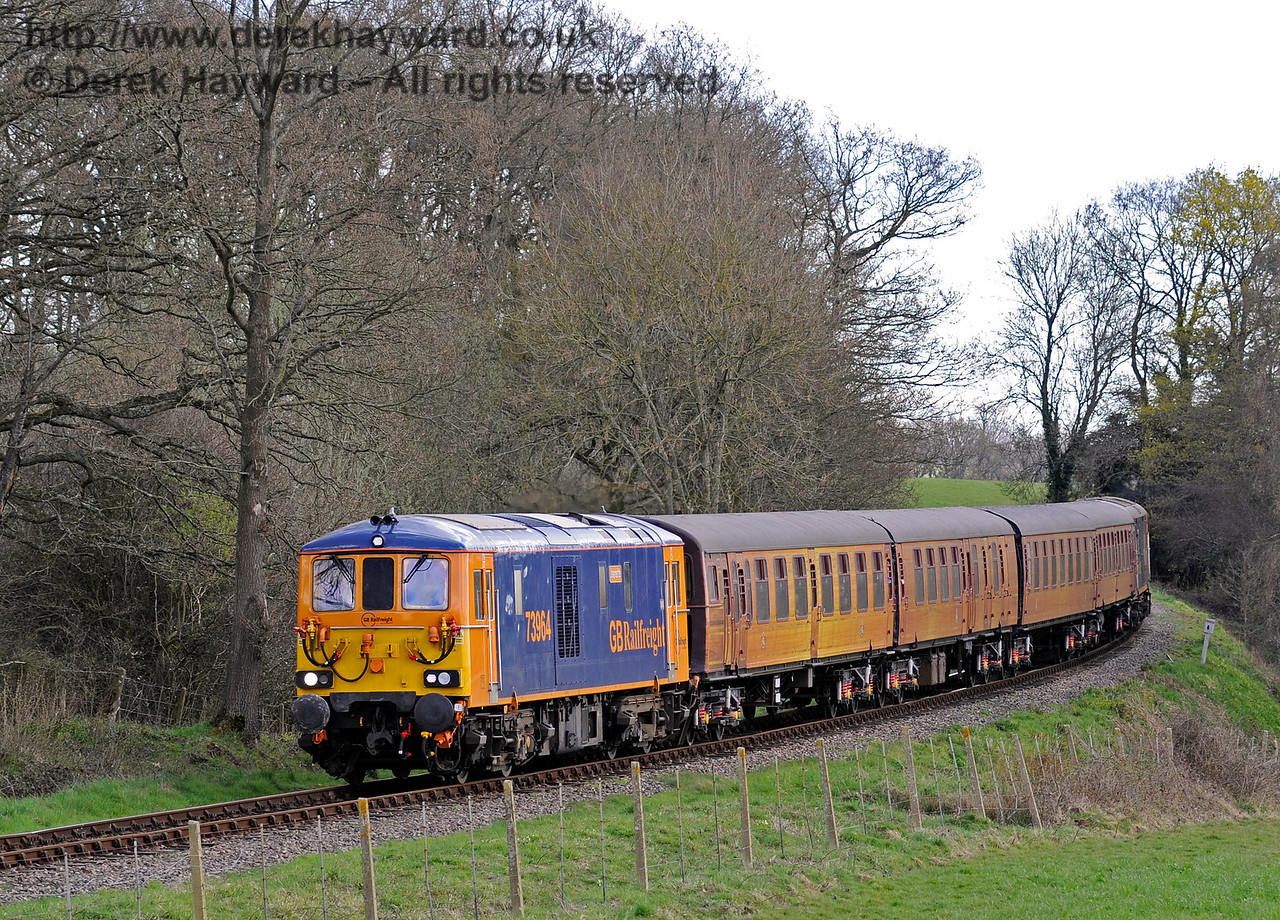 73964 rounds the bend north of Sloop Bridge with the 4-TC.  Bluebell Railway Diesel Gala, in association with GBRailfreight. 17.04.2016  12832