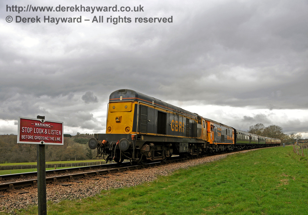 20905 (still in service at that time) travels south from New Road Bridge with a Class 73 behind.  The locomotive was subsequently failed at Sheffield Park with a fuel problem.  Bluebell Railway Diesel Gala, in association with GBRailfreight. 16.04.2016  14827