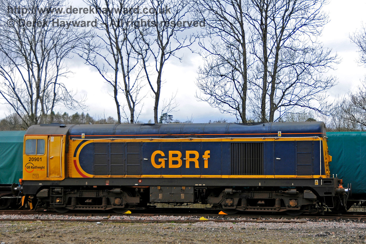 20901 failed and chocked in the Ardingly Spur.  Bluebell Railway Diesel Gala, in association with GBRailfreight. 16.04.2016  14828