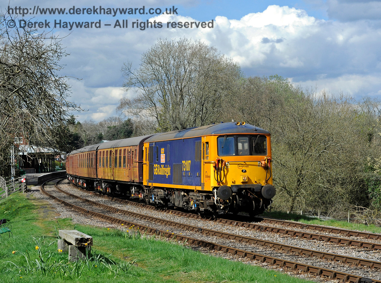 73107 leaving Kingscote with the 4-TC.  Bluebell Railway Diesel Gala, in association with GBRailfreight. 17.04.2016  12853