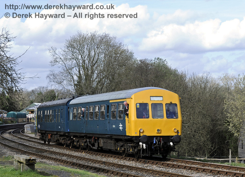 The DMU leaves Kingscote with a southbound service.  21.03.2014  8778