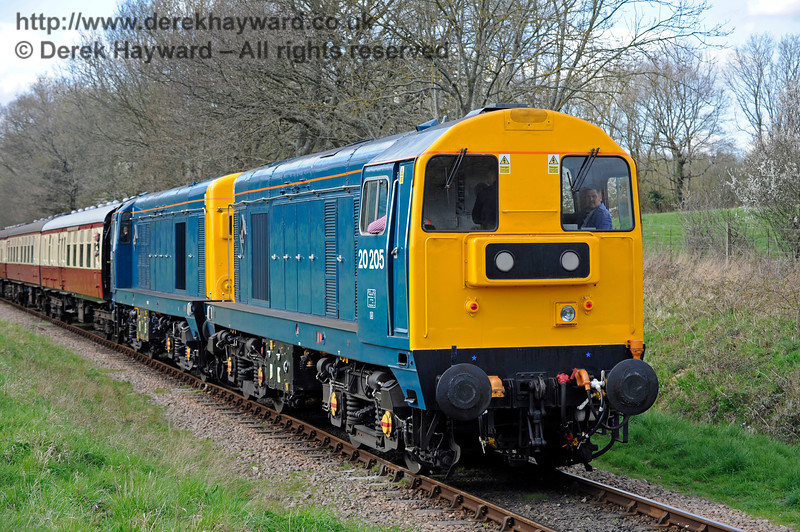 Class 20s Ketches Halt 020417 14940 E