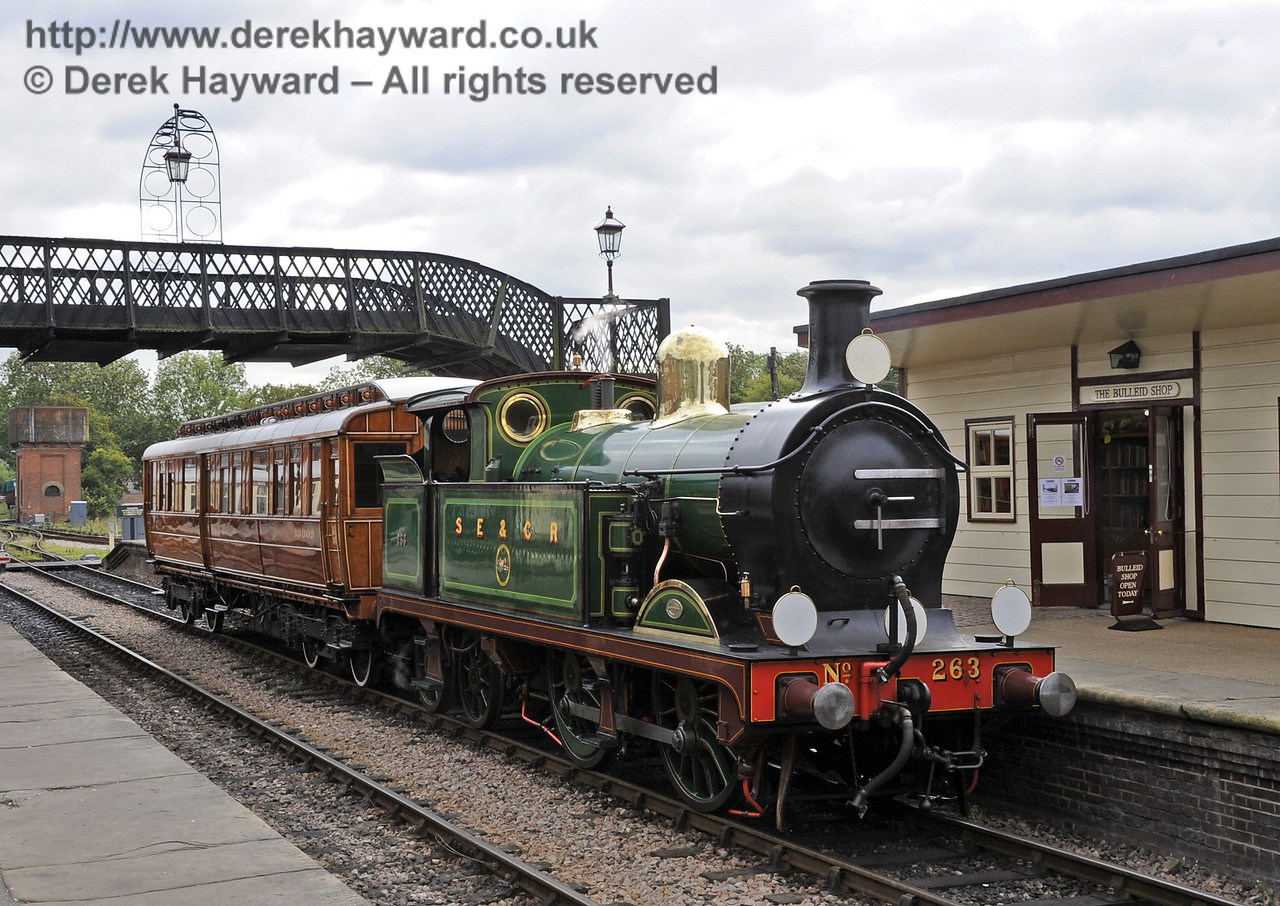 The Royal Train comprised of 263 and the GN Directors Saloon.  Particular credit is due to the cleaners and others who prepared the train to such a high standard.  10.10.2013  8196