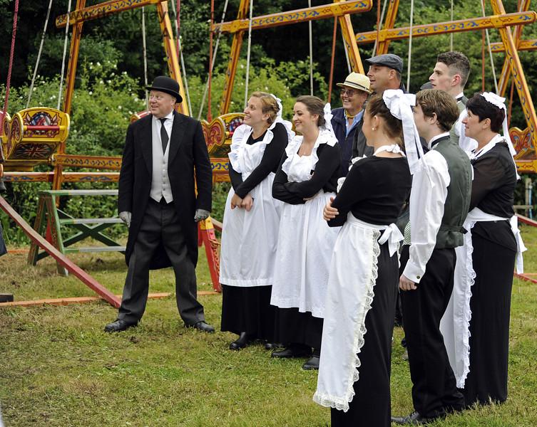 Going up!    Edwardian Weekend, Horsted Keynes, 22.06.2013  7426