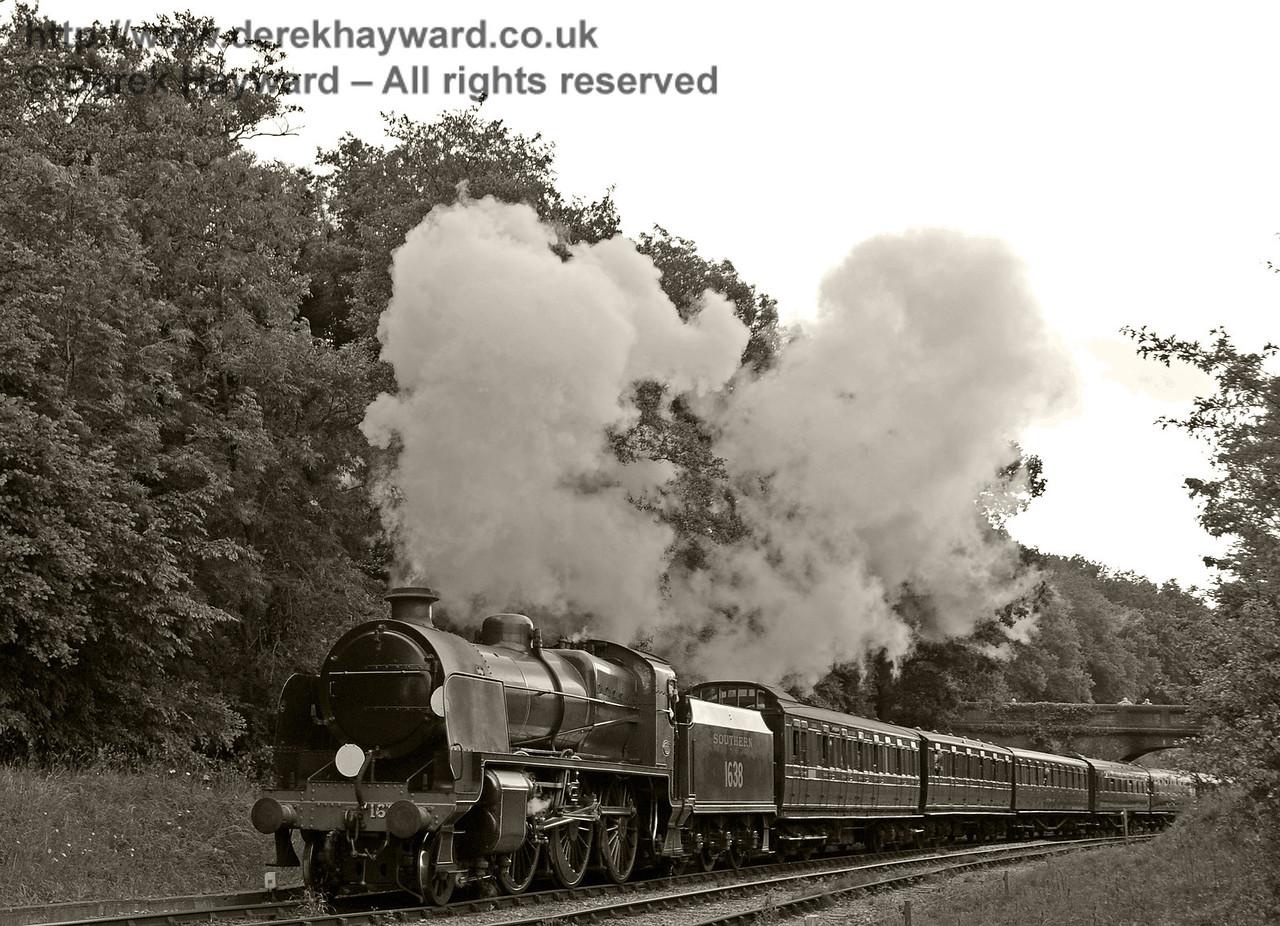 1638 steams north from Leamland Bridge.  Edwardian Weekend, Horsted Keynes, 23.06.2013  9145/BW
