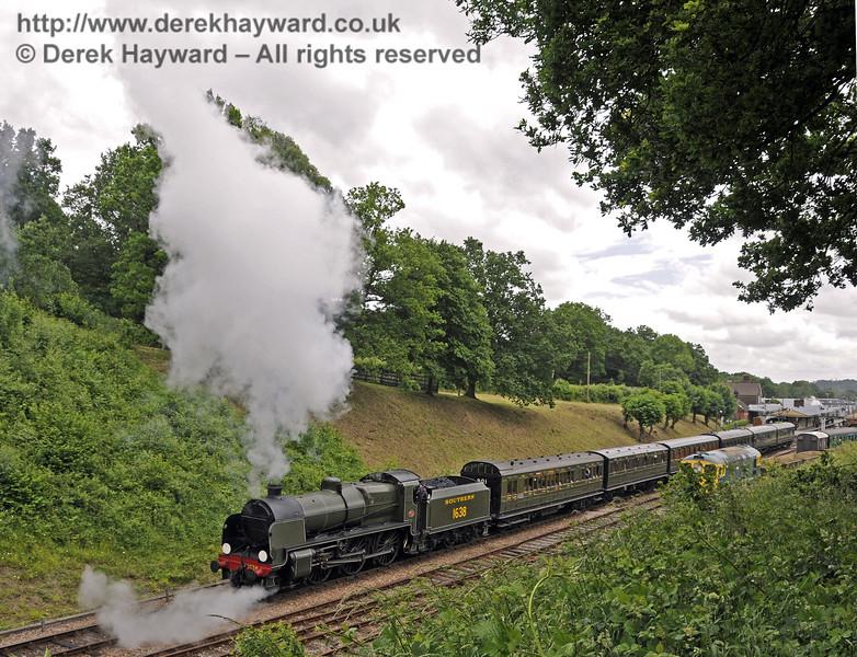1638 leaves Horsted Keynes.  Edwardian Weekend, 22.06.2013  9033