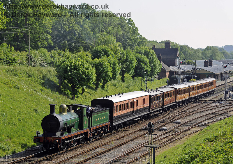 592 leaves Horsted Keynes with a train of vintage coaches.  Edwardian Weekend 18.05.2014  9470