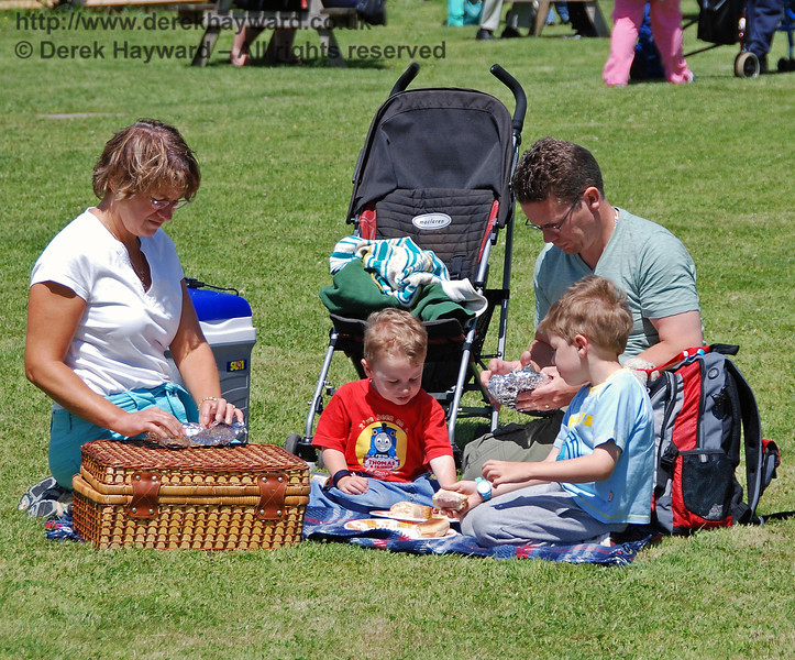 A family picnic at Kingscote. The Family Fun Weekend 22.06.2008