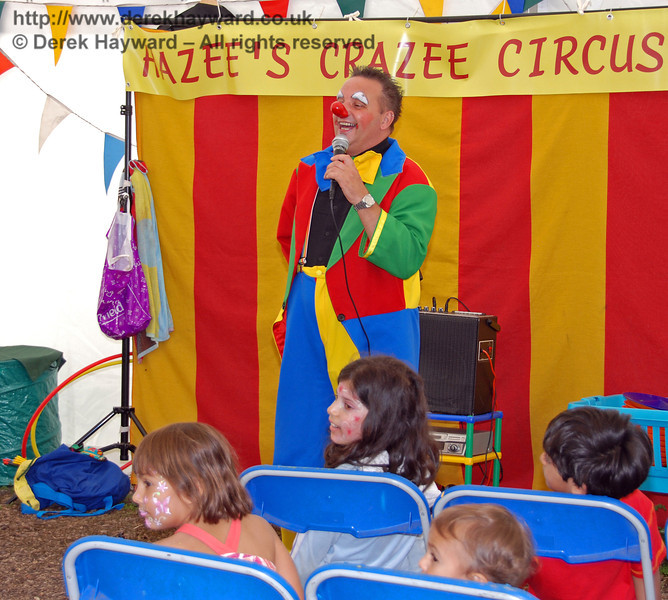 Dealing with hecklers at Hazee's Crazee Circus. Family Fun Weekend Horsted Keynes 29.06.2008