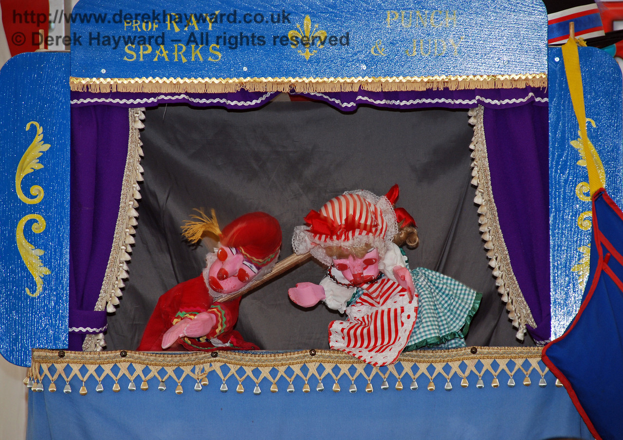Punch and Judy at Horsted Keynes. Family Fun Weekend 29.06.2008