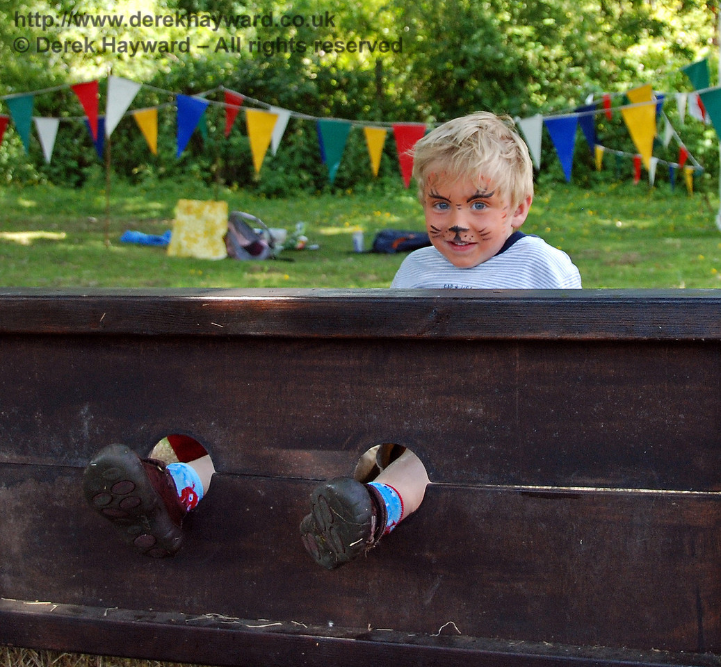 Children were left in the stocks (parents usually collected them later...) Horsted Keynes 27.06.2009