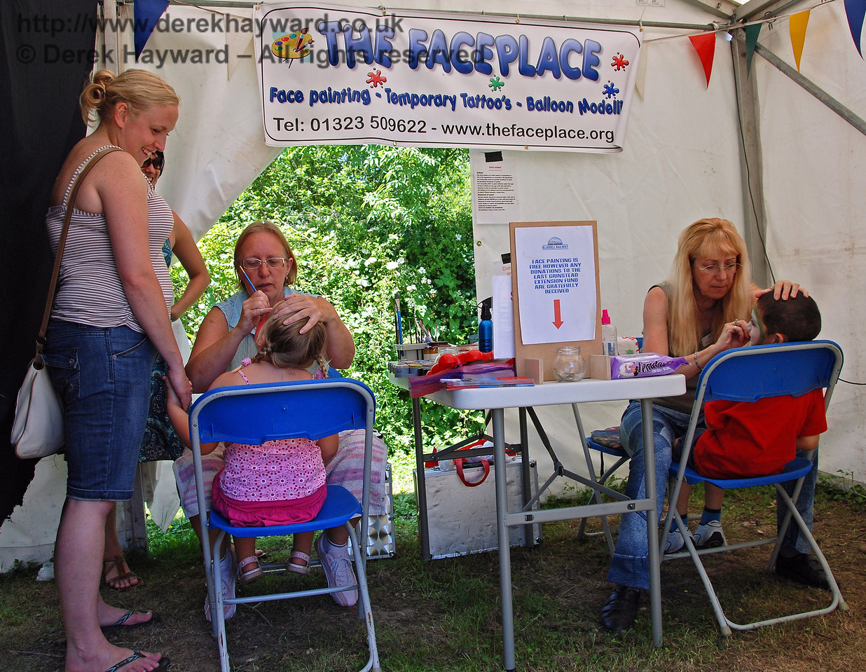 The face painting team had a constant queue, and were turning out designs left right and centre. Horsted Keynes 27.06.2009