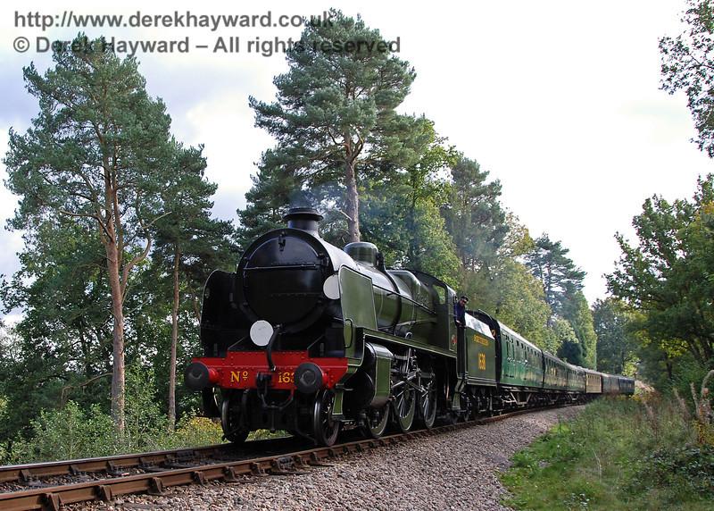 1638 steams towards Birch Farm crossing, 20.10.2007