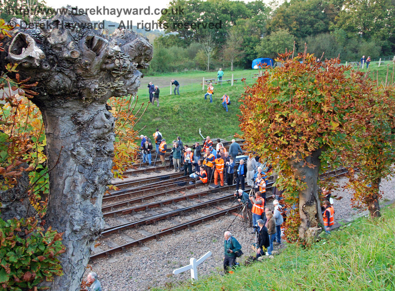 The alarming sight at the Horsted Keynes photo call.  Numbers had reduced by the time I took the picture!!  19.10.2007