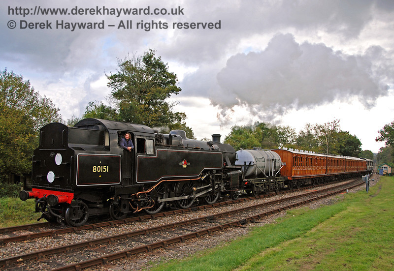 80151 arrives at Kingscote with the six-wheel milk tanker and Victorian coaches. 20.10.2007